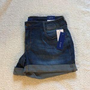 Apt 9 midi shorts, size 8